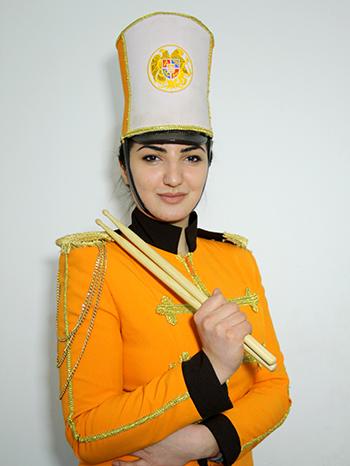 Сона Саакян